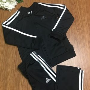 Adidas 2pc athletic outfit size 5